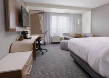 auspf-guestroom-0008-hor-clsc